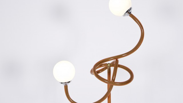 Treble clef lamp